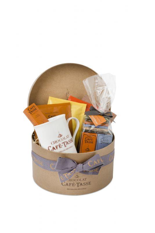 Café Tasse Hatbox Contains: Mug, Hot Chocolate Sachets, Neapolitans and Chocolate Bar 305g x 1